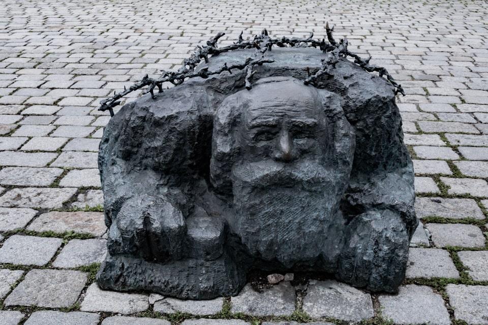 The old Jew statue Vienna