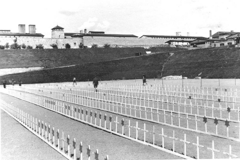 Cemetery in Mauthausen, 1945