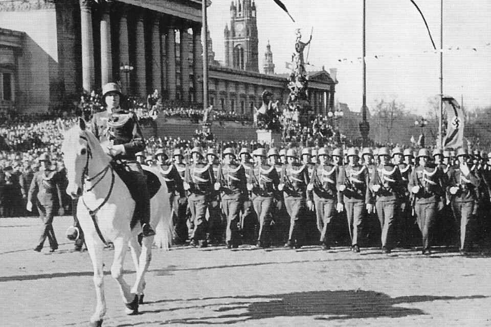 Austrian troops parade in Vienna 1938