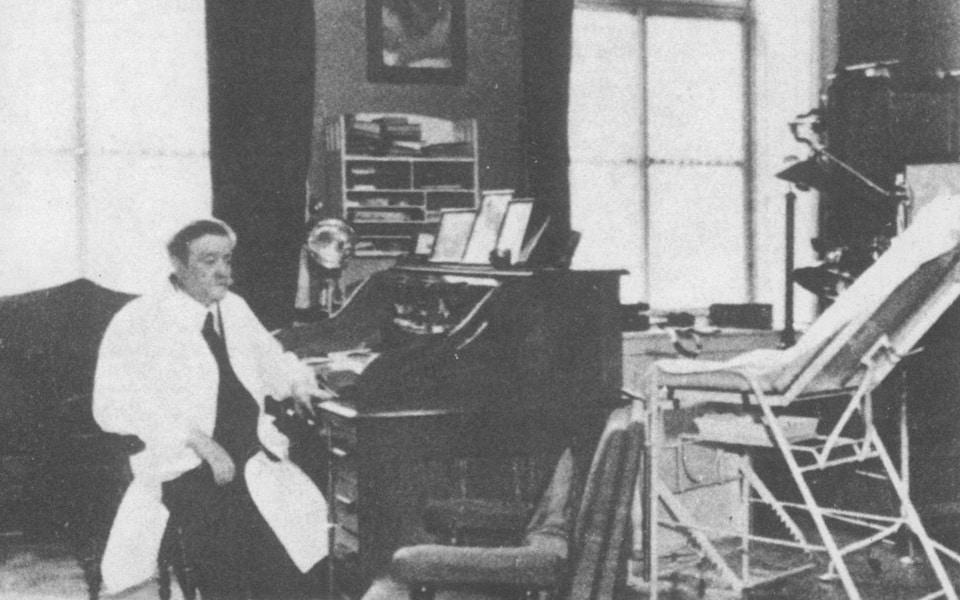 Doctor Bloch's office in Linz. Hitler and Eduard Bloch