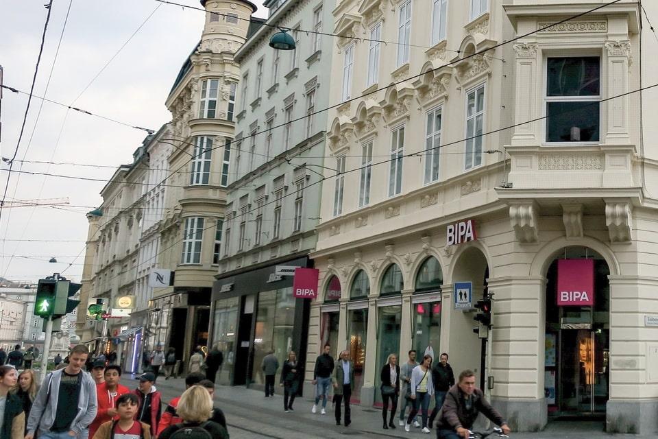 Landstrasse 12 Linz, Eduard Bloch
