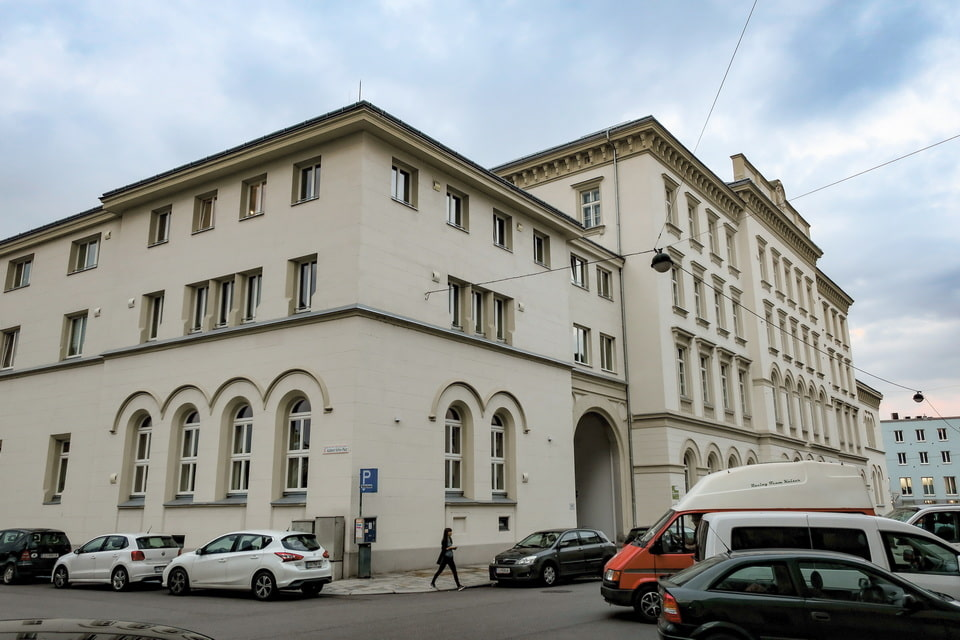 Customs office of Linz (Hauptzollamt). Hitler vidited it with his father in 1903