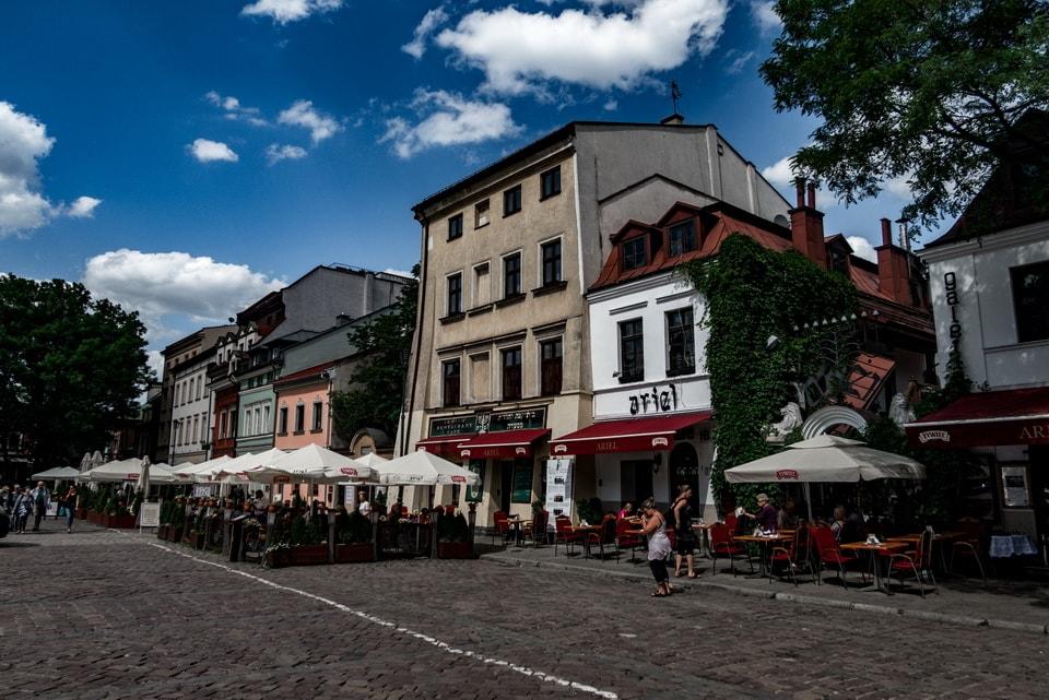 Главная площадь гетто в Кракове и фильме.