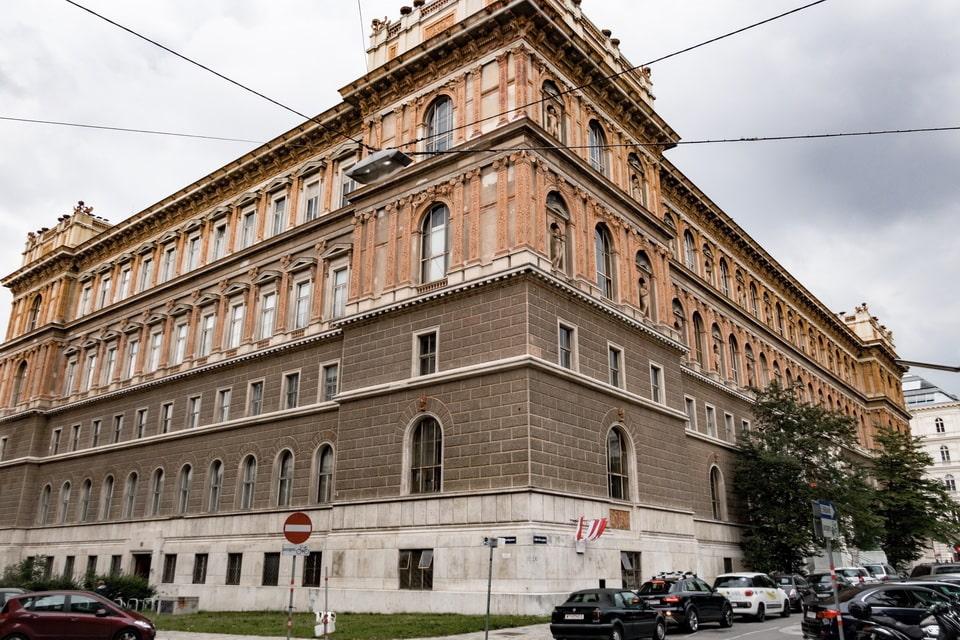 Academy of Fine Arts of Vienna and Adolf HitlerHitler