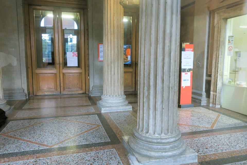 The lobby of Akademie der bildenden Künste Vienna