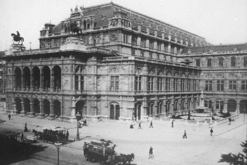 Staatsoper state opera in Vienna 1910s