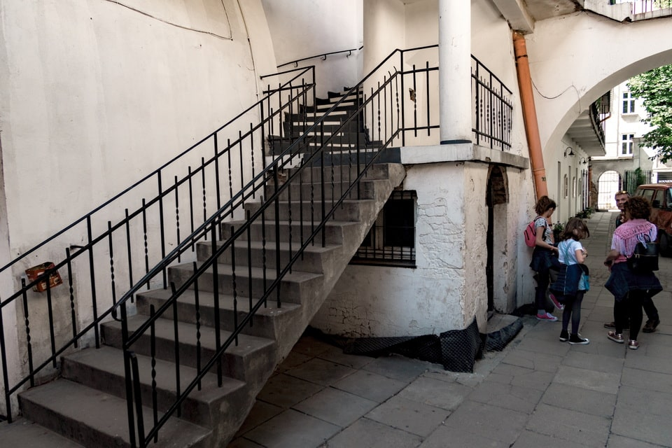 Staircase, where miss Dresner hid