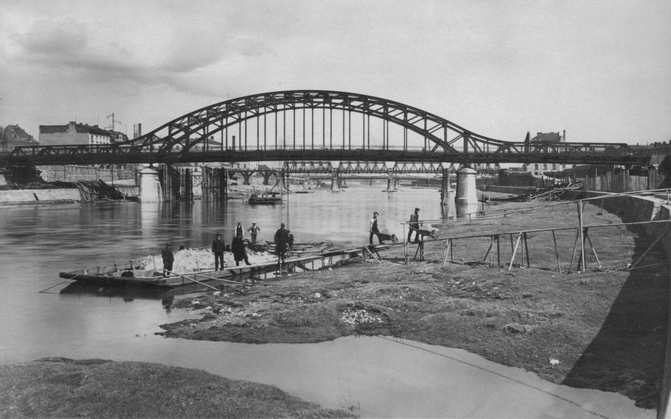 Joseph Pilsudskiego bridge Krakow Poland today
