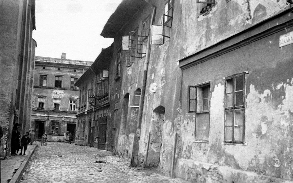 Ciemna street during the war