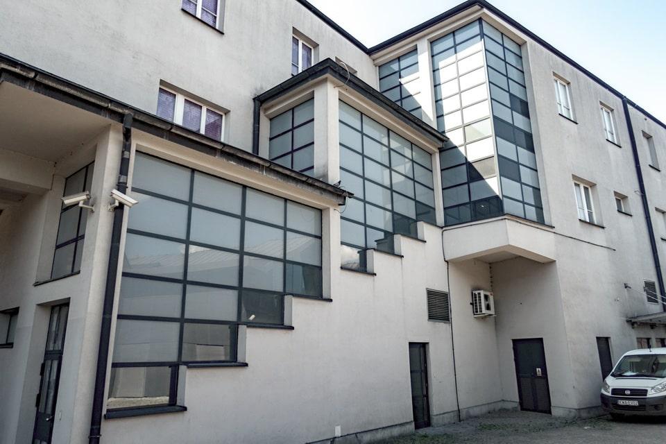 """The inner cortyard of the """"Fabryka Emalia Oskara Schindlera"""" museum"""