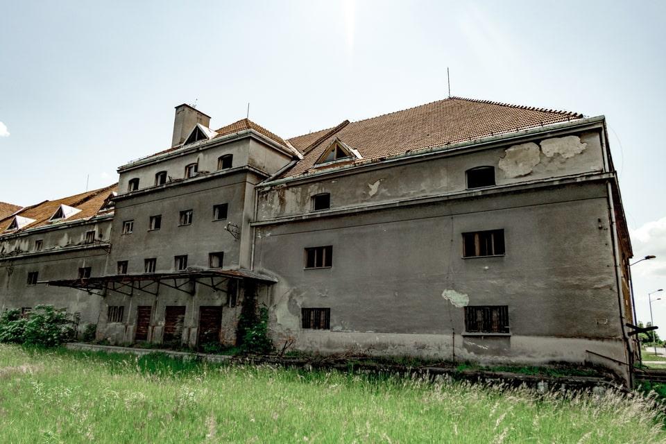 UNTERKUNFTSGEBAUDE WAREHOUSE Auschwitz 1