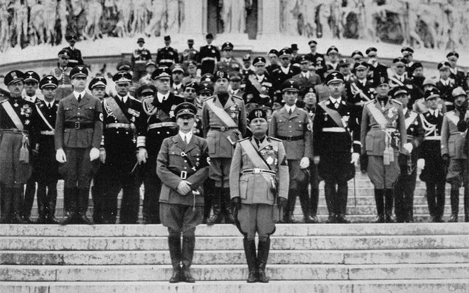 TOMB OF THE UNKNOWN SOLDIER (PIAZZA VENEZIA) HITLER