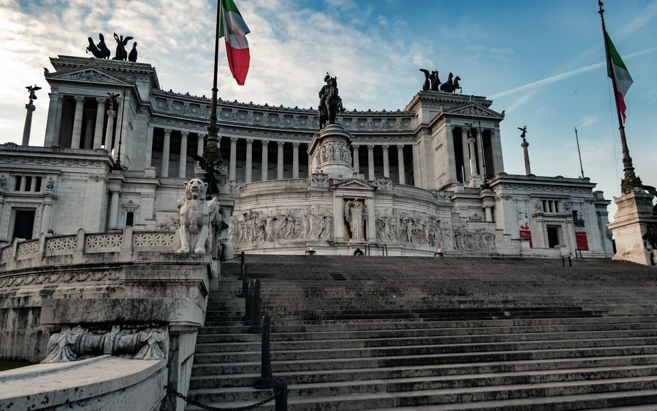 TOMB OF THE UNKNOWN SOLDIER (PIAZZA VENEZIA) TODAY