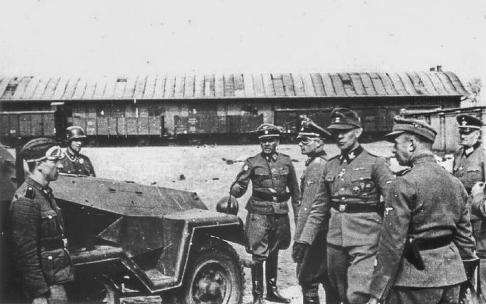 The SS soldiers at the Umschlagplatz, Warsaw