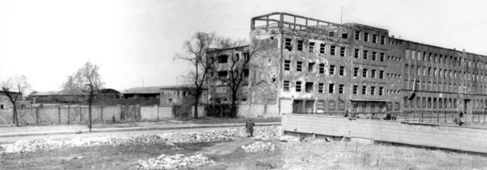 Panorama of the former 'Umschlagplatz' in 1945.
