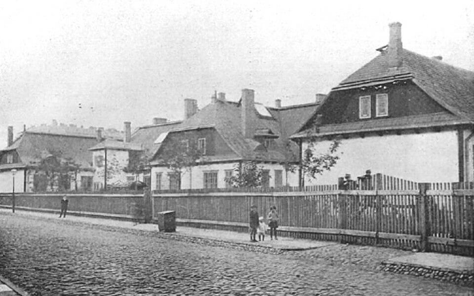 FORMER PUBLIC SCHOOLS № 153 AND 175 at Stawki