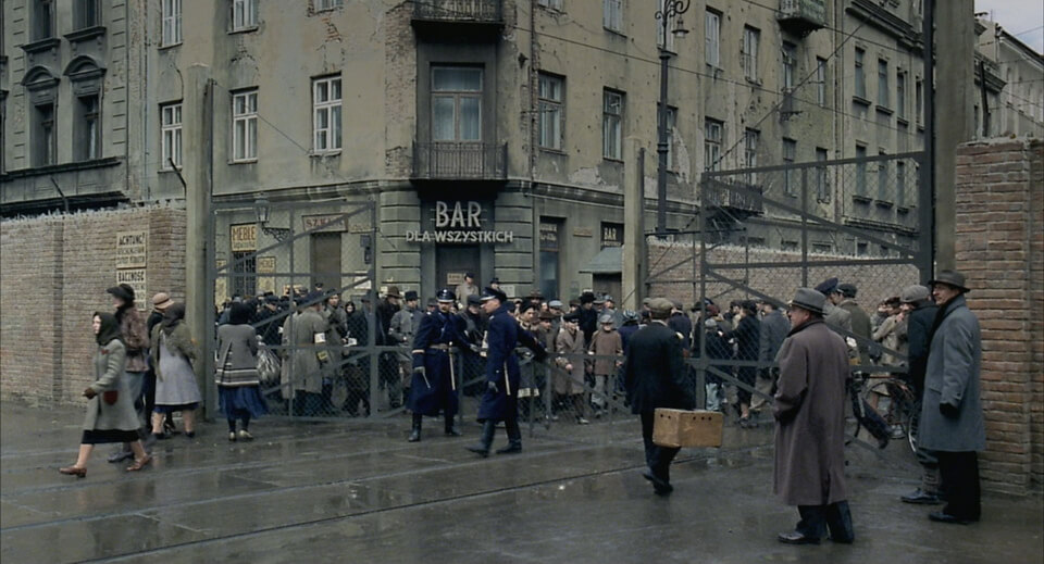 The gates of the Warsaw ghetto: Pianist movie