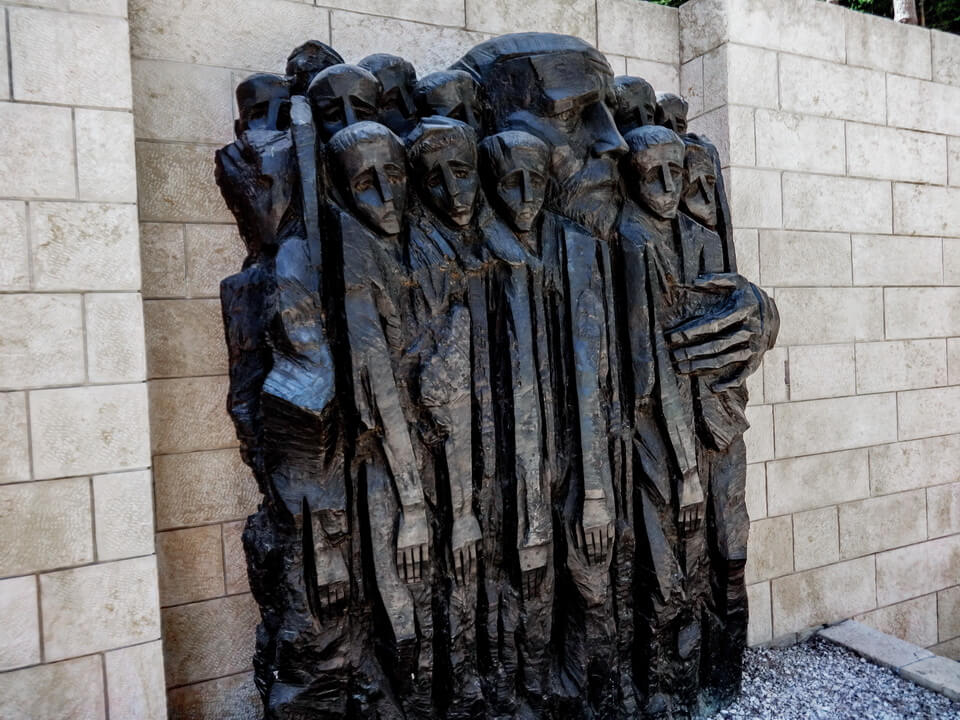 A memorial of Janusz Korczak and his orphans at 'yad-Vashem', Jerusalem