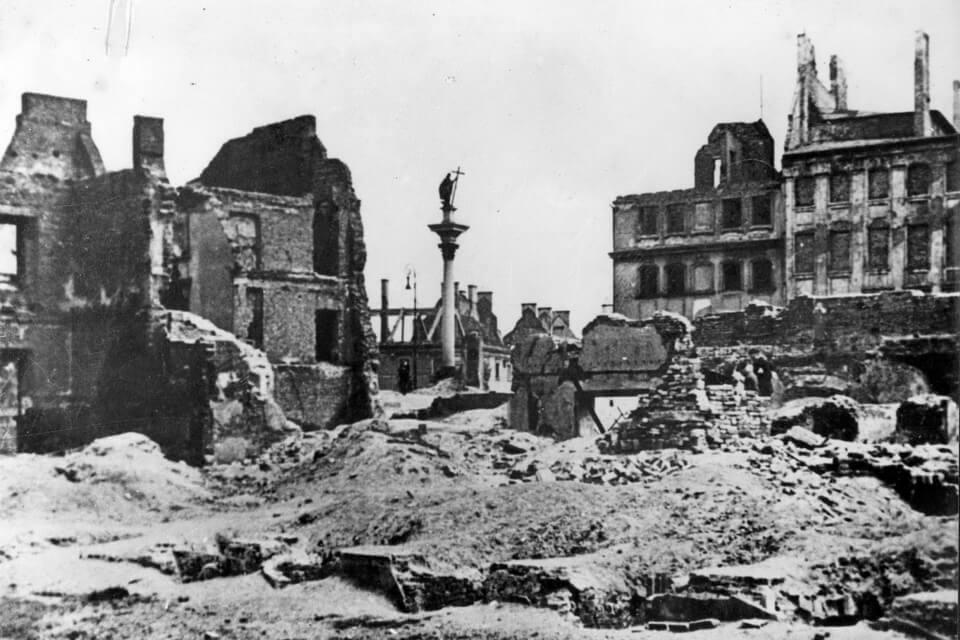 The devastation of Warsaw in 1944: Warsaw uprising