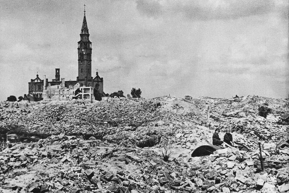 AUGUSTINE'S CHURCH in Warsaw 1945: The warsaw ghetto uprising