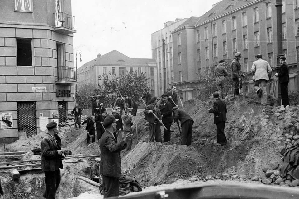 A HELL FROM SKY: THE SIEGE OF WARSAW