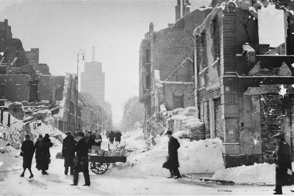 Warsaw 1939: the photo of the occupied city in ruins