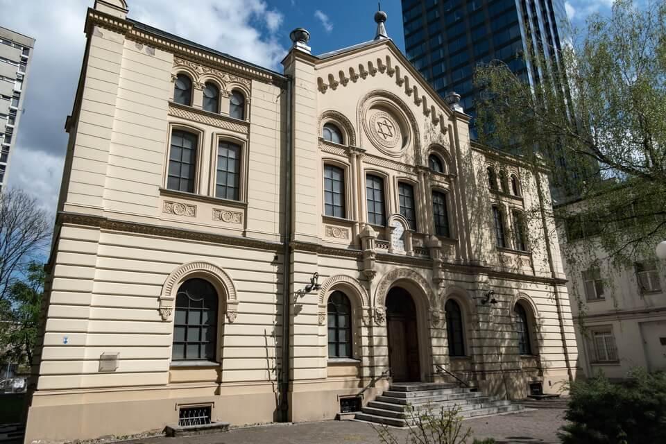 'SYNAGOGA RYFKI I ZALMANA NOŻYKÓW' synagogue today: Warsaw ghetto