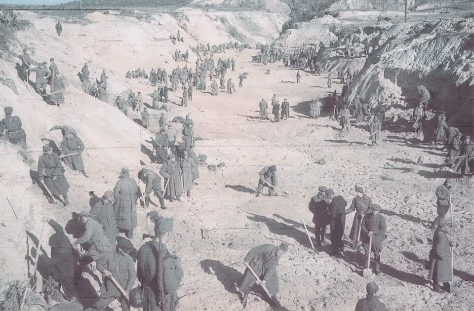 Soviet prisoners of war in Babi yar 1941, Kyiv