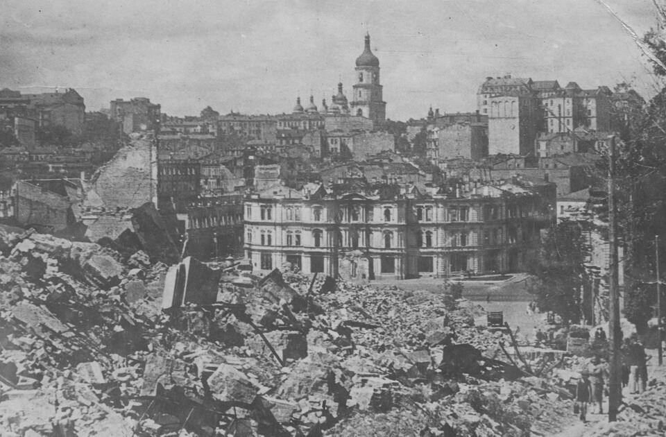 The devastated city center of Kyiv 1941