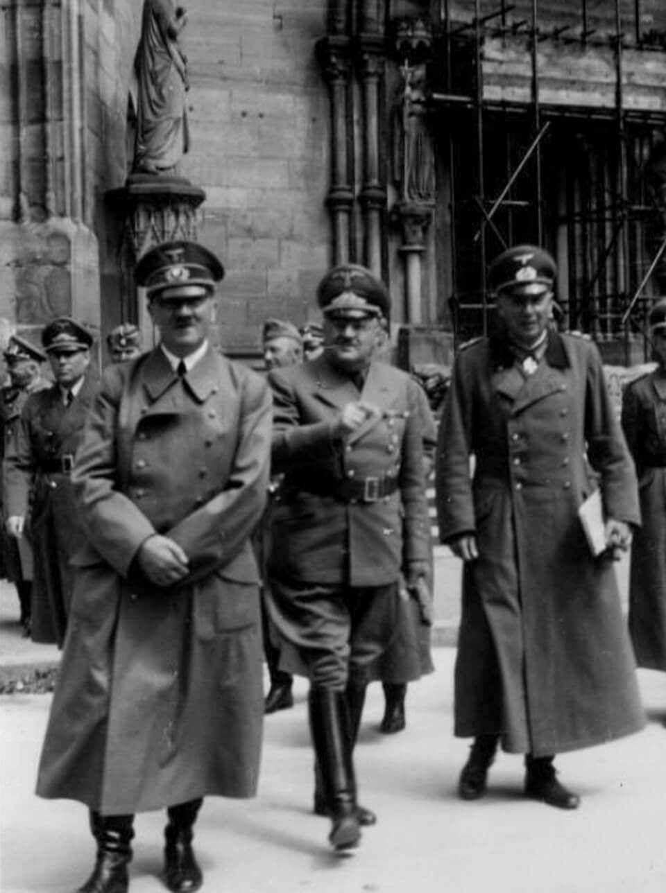 Hitler's visit to the city of Strasbourg, June 28, 1940