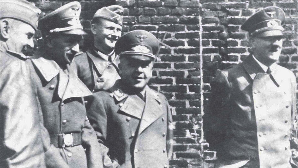 Hitler visit the war sites of the WW1, 1940