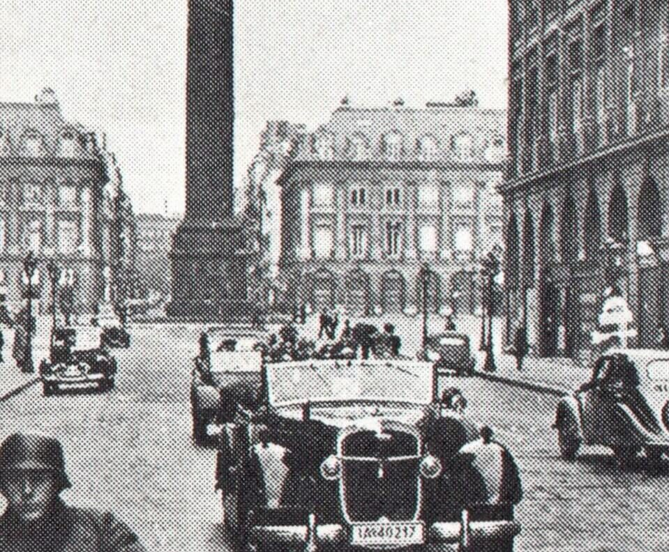 Hitler's car is leaving 'Place Vendome'