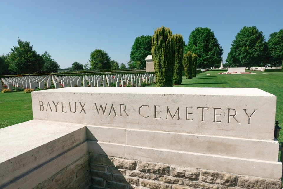 Baeyux War Cemetery