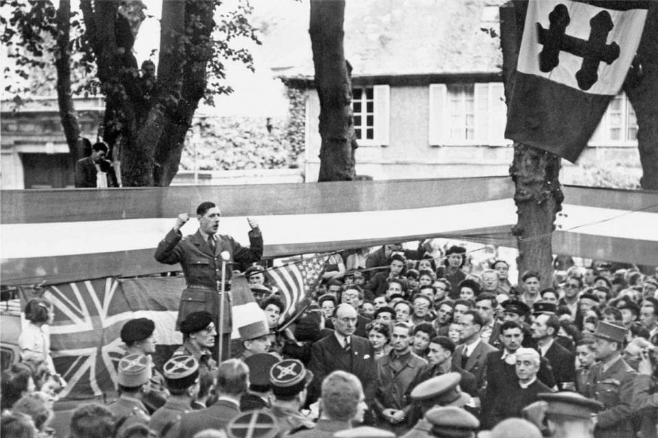 General De Gaulle at 'Place de Château'