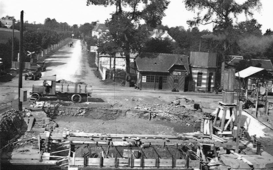 The pre-war photo of benouville, 1934 and the building of the bridge