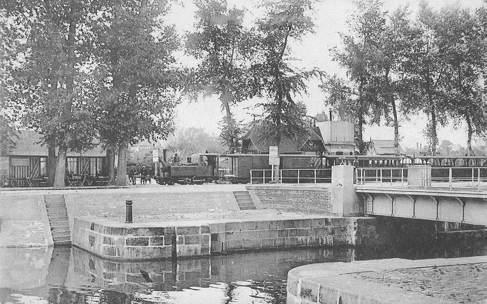 Caen Canal, Benouville and the Benouville bridge